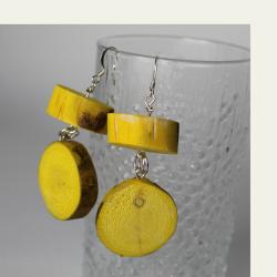 Saagaway™ keltaiset haapa puukorvakorut on valmistettu kotimaisena käsityönä