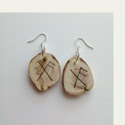 Saagaway™ kataja puukorvakorut on kotimaista käsityötä