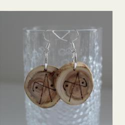 Käsin tehdyt kataja symbols puukorvakorut 009