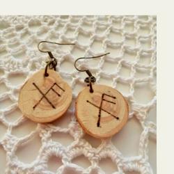 KOtimaisena käsityönä valmistetut kataja symbols puukorvakorut